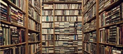 Contro i libri (e in difesa dei libri)