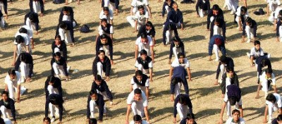 In India vogliono regolamentare lo Yoga