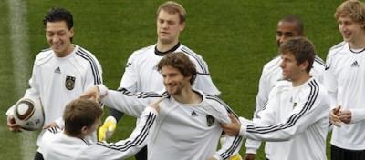 """""""C'è un gruppetto di gay nella nazionale tedesca"""""""