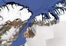 Groenlandia, si stacca un'isola di ghiaccio