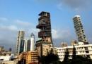 La famiglia Ambani e lo skyline di Mumbai