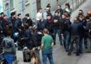 Lo sgombero del centro sociale Bottiglieria a Milano
