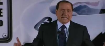 Tombola, Berlusconi sfotte anche gli omosessuali