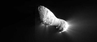 La cometa Hartley 2 vista da vicino