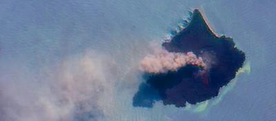 Il Krakatoa visto dallo spazio