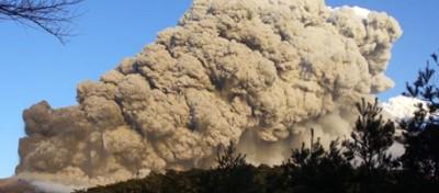 L'eruzione del vulcano Shinmoedake