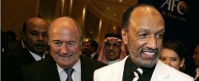 Lo sfidante di Blatter si ritira