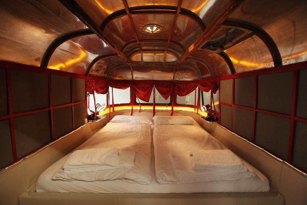 due strani hotel di berlino il post. Black Bedroom Furniture Sets. Home Design Ideas