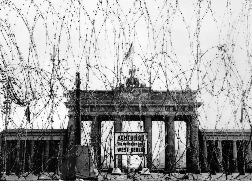 Le foto della costruzione del muro di berlino il post - Berlino porta di brandeburgo ...