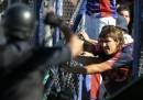 La violenza dei tifosi in Argentina