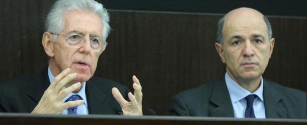 Il Presidente del Consiglio Monti illustra la manovra economica