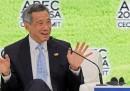 Il premier di Singapore si taglia lo stipendio di un terzo