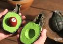 Guacamole di bombe, pongo, dadi e lampadine (il nuovo corto di PES)