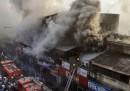 L'incendio nel mercato di Calcutta