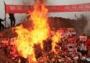 Le foto delle merci contraffatte bruciate in Cina
