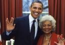 Barack Obama fa il saluto vulcaniano con Nichelle Nichols