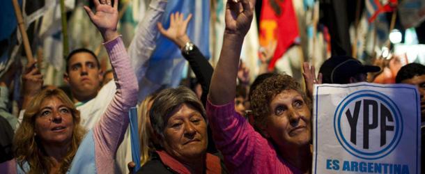 Buenos Aires, si' definitivo del Parlamento argentino a nazionalizzazione YPF