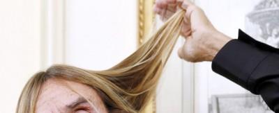 Di chi sono questi capelli?