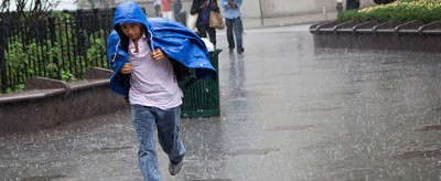 Come ci si bagna meno sotto la pioggia