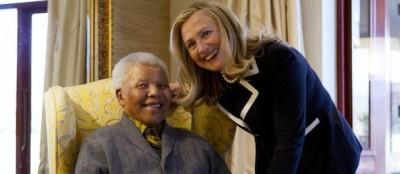 Le foto della visita di Hillary Clinton a Nelson Mandela