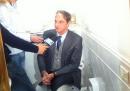 La protesta sul water del sindaco di Prato