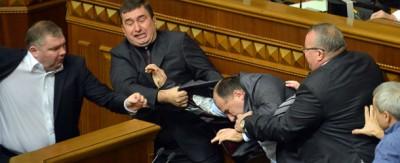 Due giorni di risse al Parlamento ucraino