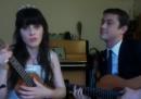 Zooey Deschanel e Joseph Gordon-Levitt vi augurano buon anno con una canzone