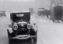 La corsa spericolata dei vigili del fuoco a New York, nel 1926