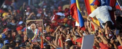 La folla per Chávez a Caracas