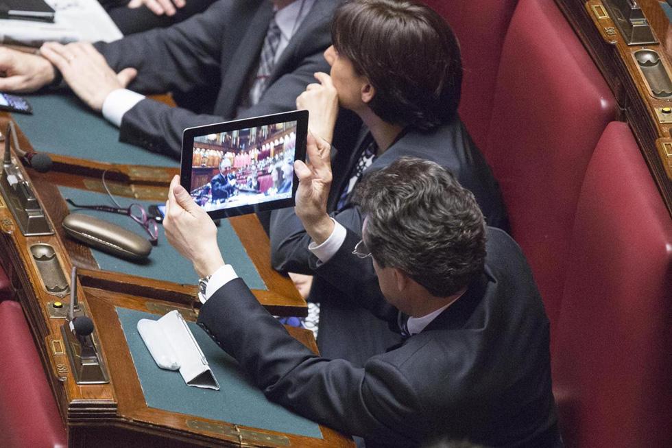 Le foto del nuovo parlamento il post for Streaming parlamento
