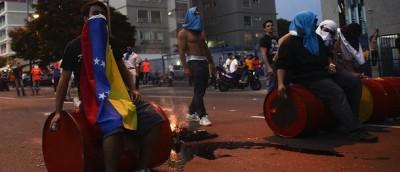 Proteste e scontri a Caracas