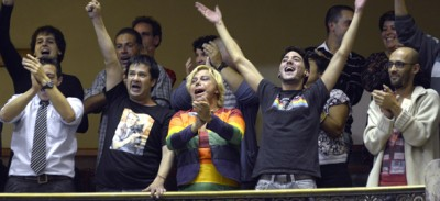 L'Uruguay legalizza i matrimoni gay