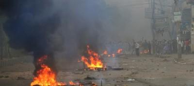 Gli scontri a Dacca, in Bangladesh