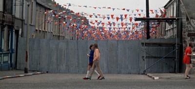 I muri di Belfast saranno demoliti