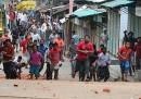 Un altro giorno di scontri a Dacca