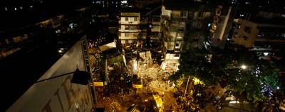 Il palazzo crollato a Mumbai