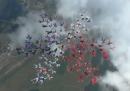 101 paracadutiste unite in caduta libera