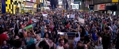 Le manifestazioni contro la sentenza sull'omicidio di Trayvon Martin