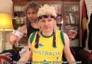 Il video di Assange che canta