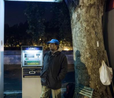 Lavoratori abusivi nei benzinai di Roma