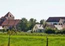 Germania, polizia toglie 40 bambini a setta cristiana: sospetti abusi