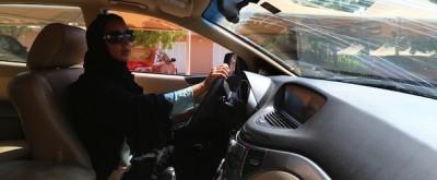 La protesta contro il divieto di guida per le donne in Arabia Saudita