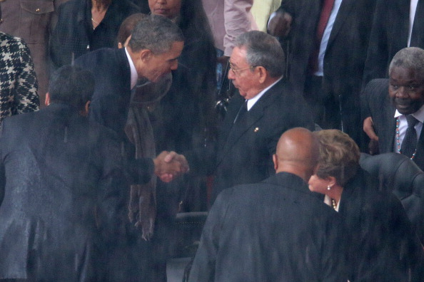 Stretta di mano Barack Obama - Raul Castro