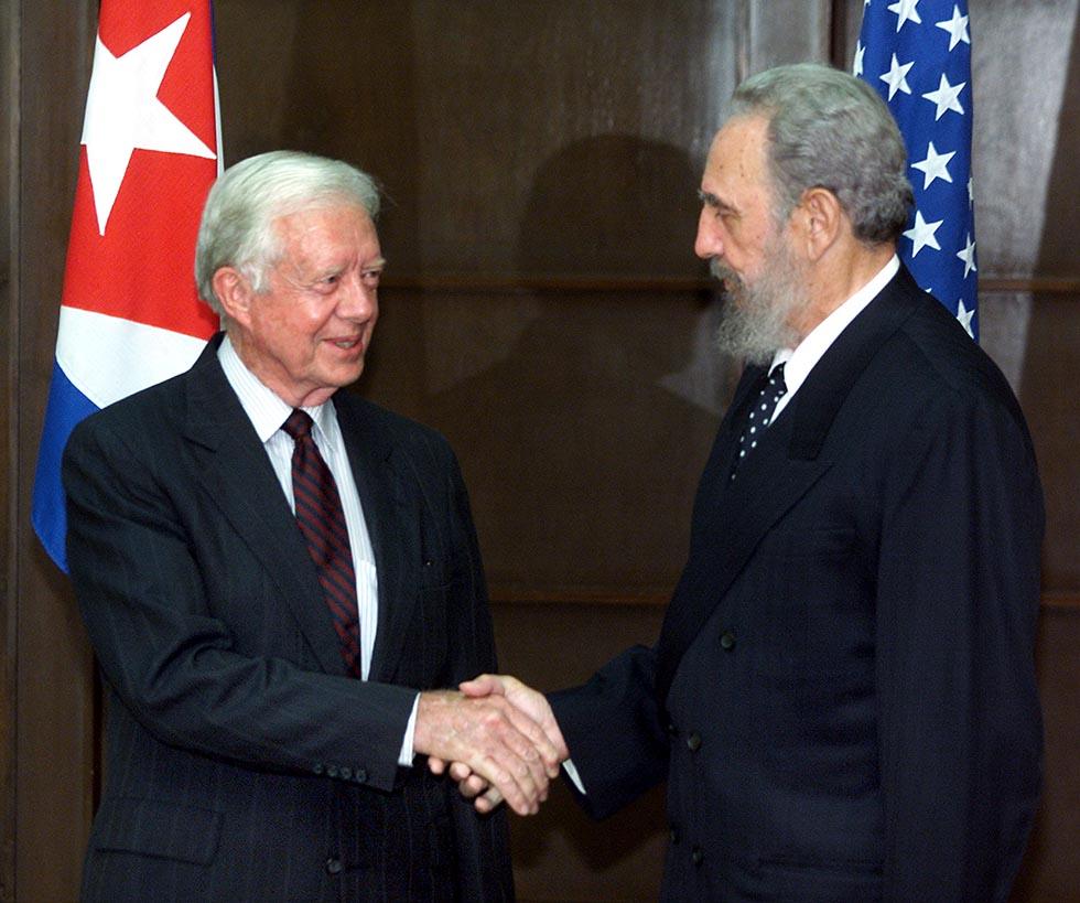 La stretta di mano tra Jimmy Carter e Fidel Castro