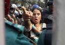 Le foto degli scontri a Dacca