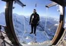 """Il """"Passo nel vuoto"""" sul Monte Bianco - foto"""