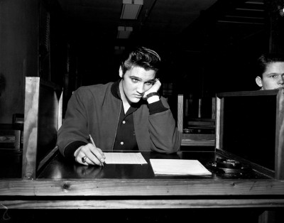 Elvis Presley è tra le sette persone che riceveranno la Medal of Freedom, la più alta onorificenza civile degli Stati Uniti