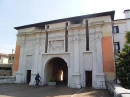 È anche il nome di una porta monumentale di Treviso (e di una casa editrice lì nei pressi).