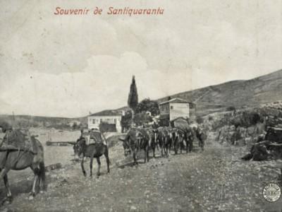 Santiquaranta è anche il nome italiano di Sarandë, ridente località portuale albanese, dal 1940 al 1944 nota anche come Porto Edda (quella Edda, sì).