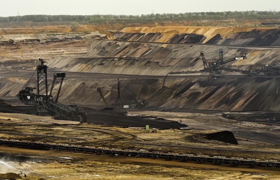 Un tribunale australiano ha vietato l'apertura di una miniera di carbone parlando del suo potenziale contributo al riscaldamento globale - Il Post